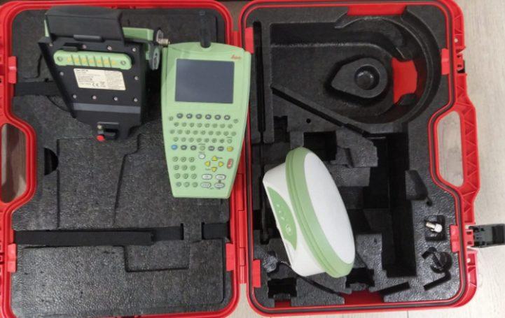 "LEICA 1200 ""BASE ET MOBILE"" GPS+GLONASS"